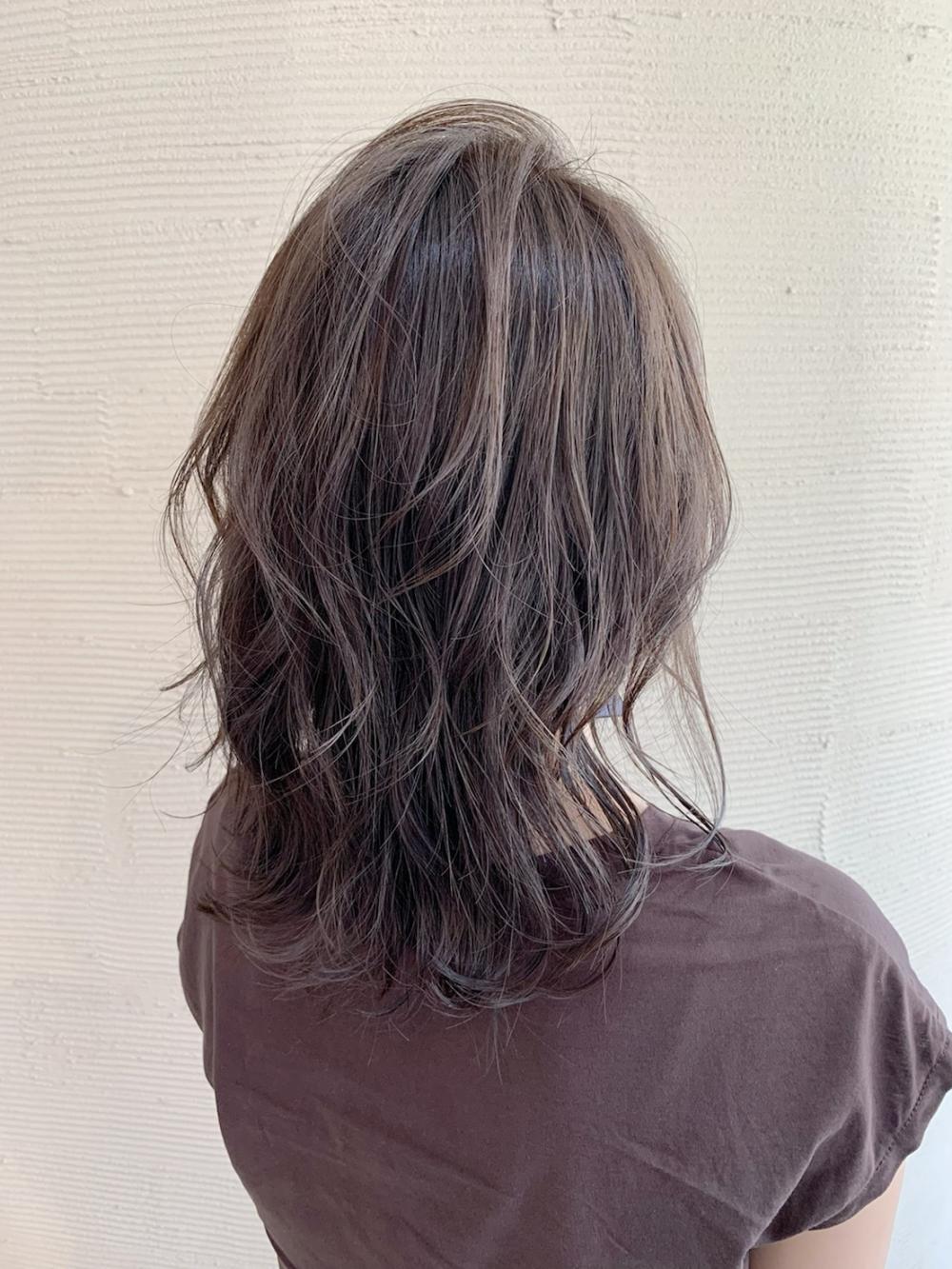 巻き髪レイヤースタイル